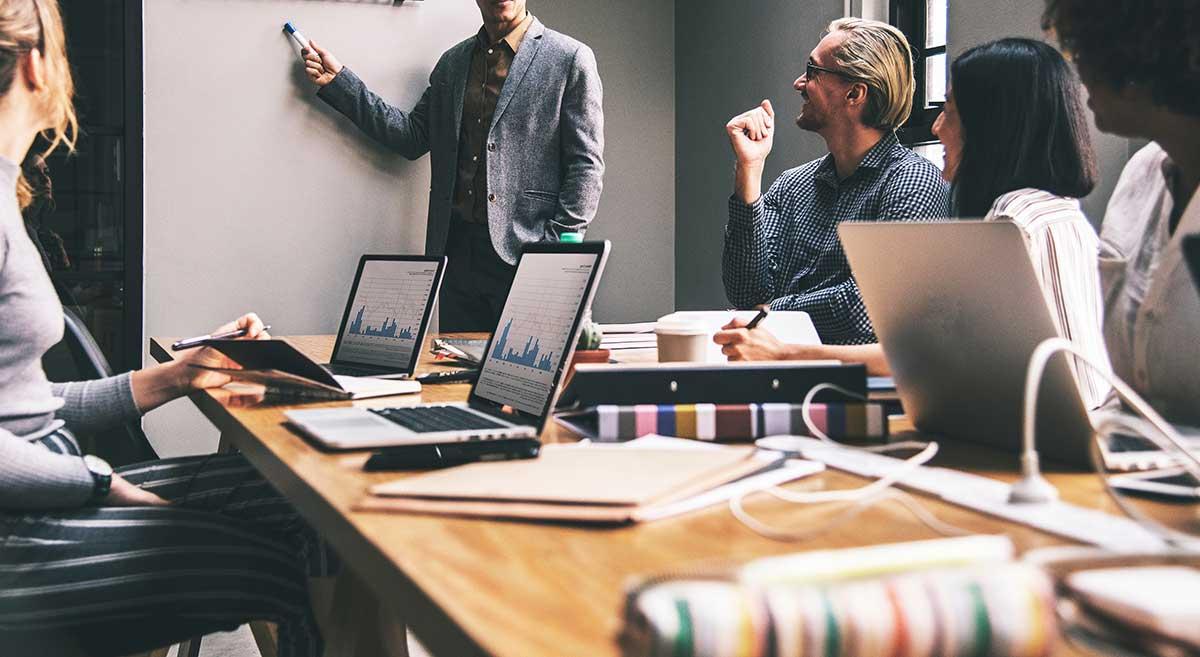 https://consultormarketing.digital/wp-content/uploads/2019/07/Como-atua-um-Consultor-de-Marketing-Digital-na-prática.jpg