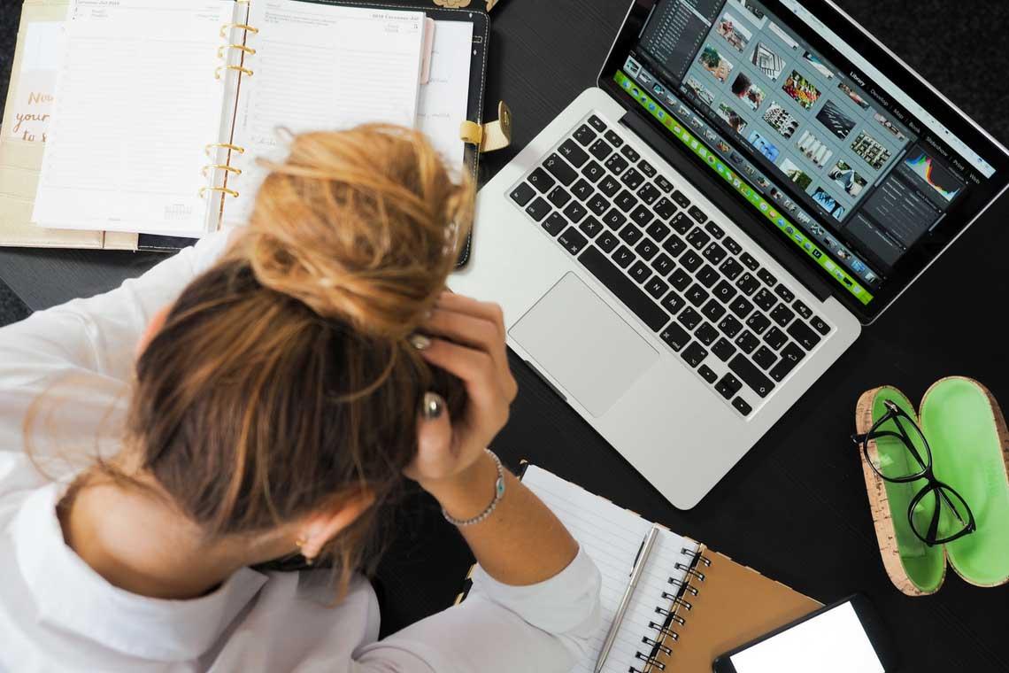 https://consultormarketing.digital/wp-content/uploads/2020/08/Os-8-maiores-vilões-da-produtividade-no-trabalho.jpg